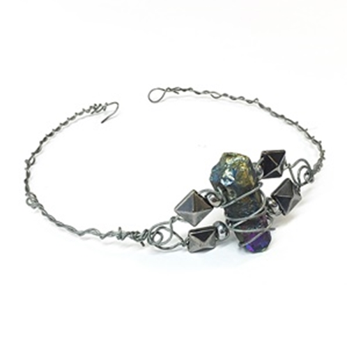 Picture of Crystal & Stud Wire Choker