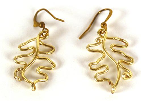 Picture of Oak Leave Earrings - Gold